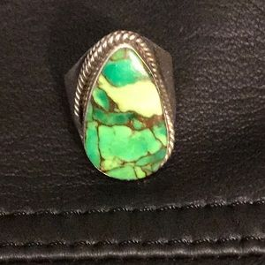 Beautiful green turquoise sterling ring!!😍